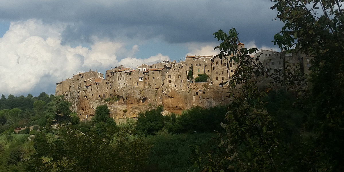 Guided tour of Pitigliano - view of the town