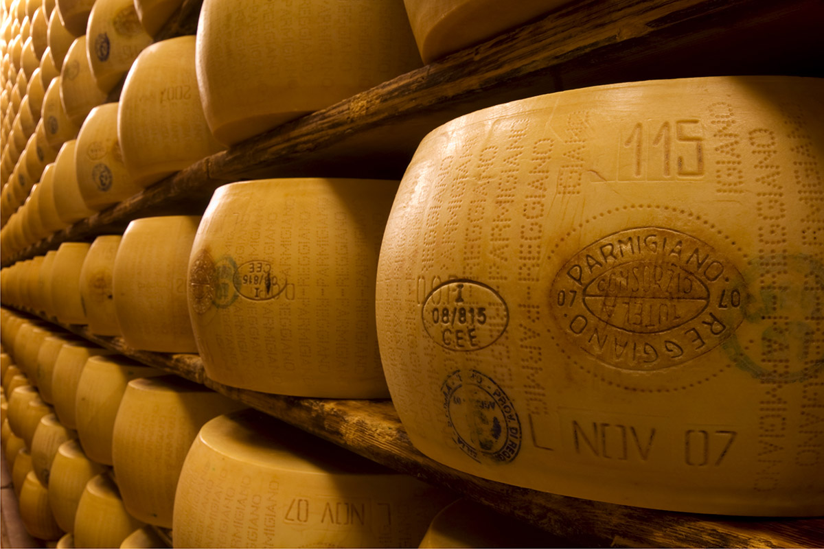 Walking and Tasting Tour in Emilia-Romagna - Parmigiano Reggiano