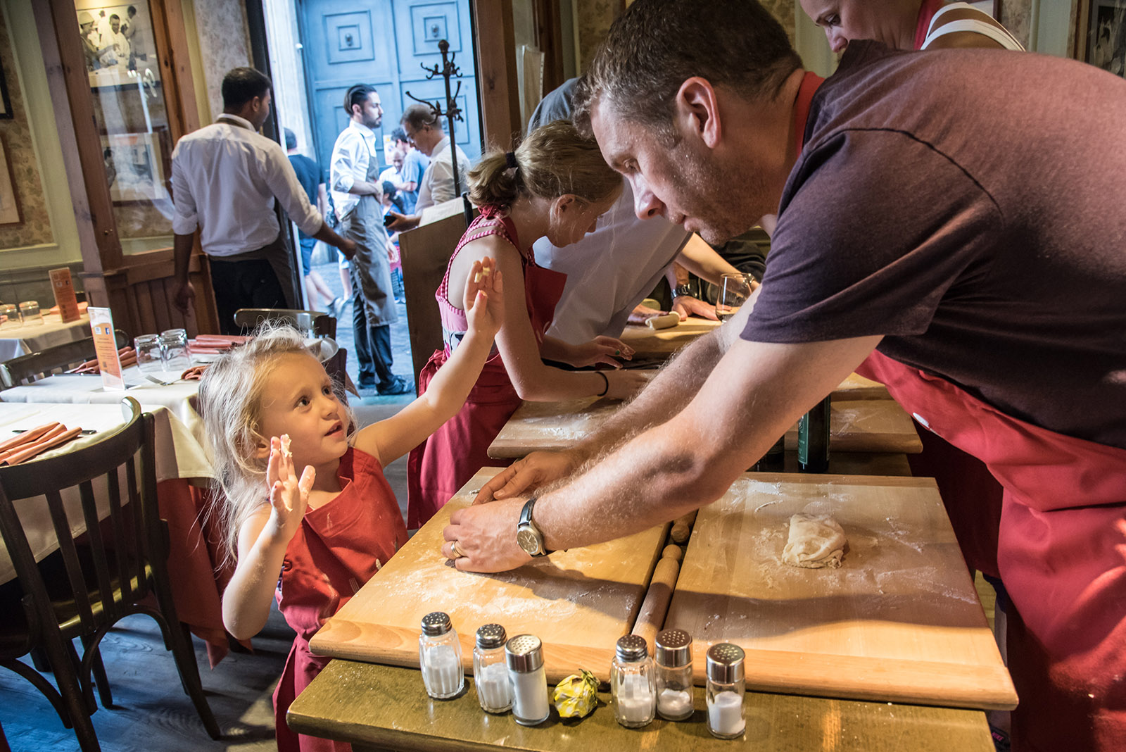 Cooking classes and food tours in Rome - making fresh pasta